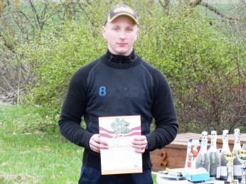 Apaļā stenda uzvarētājs juniors Emīls Starodubcevs